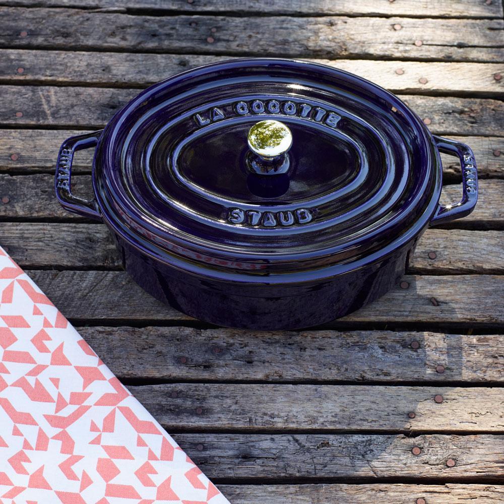 Staub França - Caçarola Oval Azul Marinho Ferro Fundido 27 cm